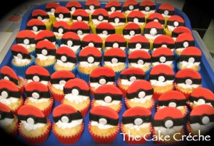 Pokemon-Pokeball-cup-cakes