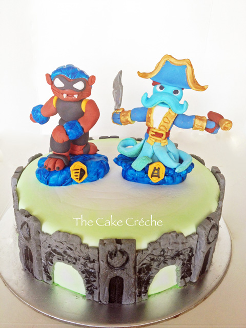 Amazing Skylanders Swap Force Portal Cake With Edible Wash Buckler And Funny Birthday Cards Online Inifodamsfinfo