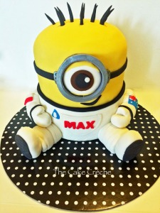 Astronaut Space Minion cake 2